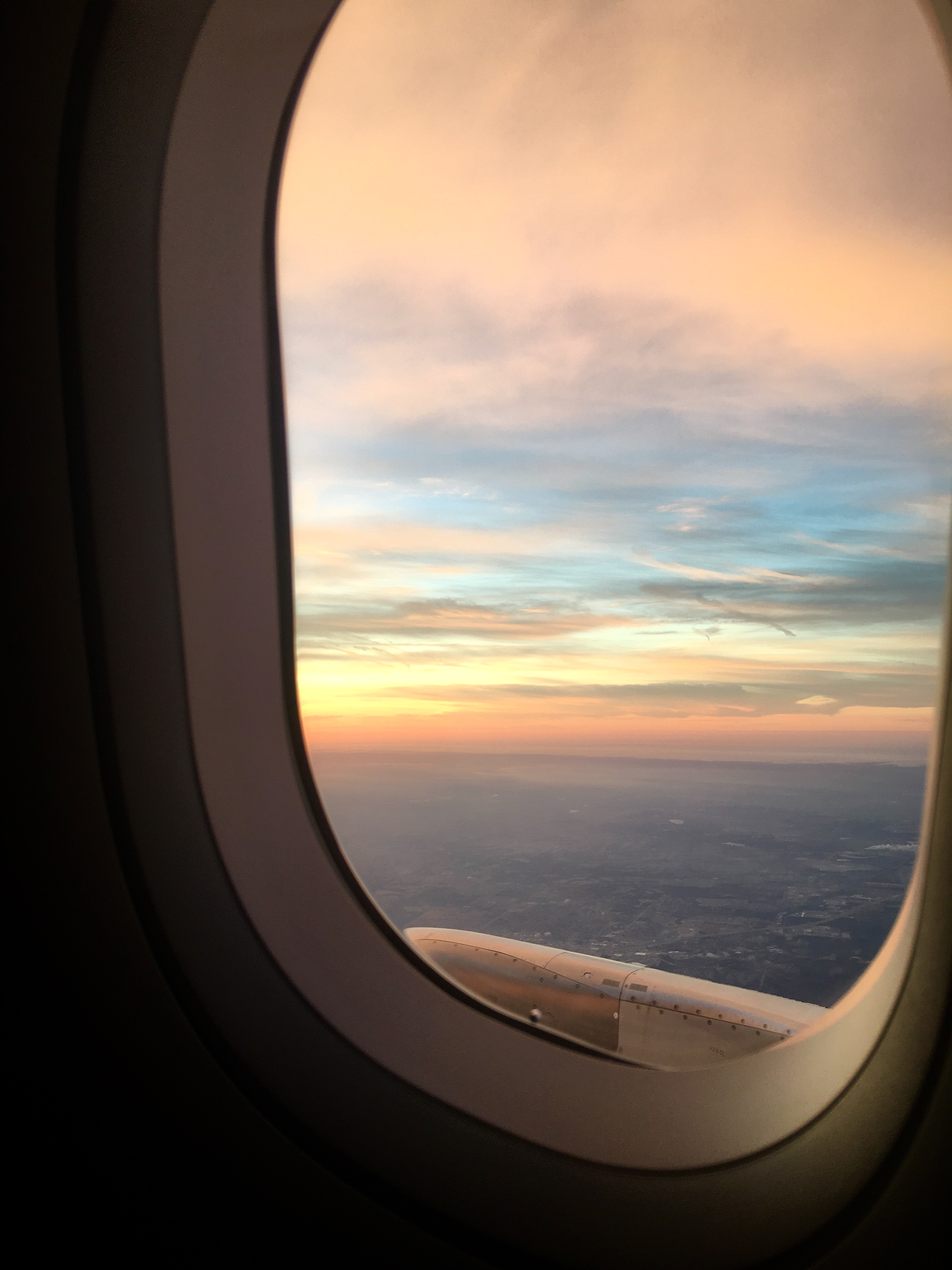 Phenomenal Airplane Window Seat Mary Chryston Mary Chryston Gmtry Best Dining Table And Chair Ideas Images Gmtryco